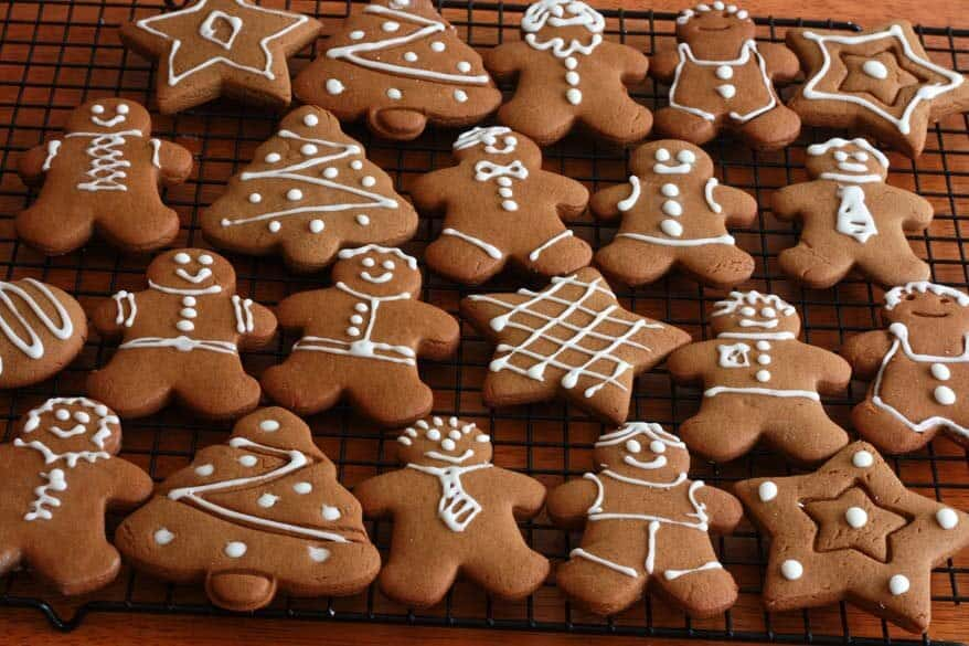 A Roundup of Our Favorite Winter Holiday Posts by Food Bloggers (image via Daring Gourmet)